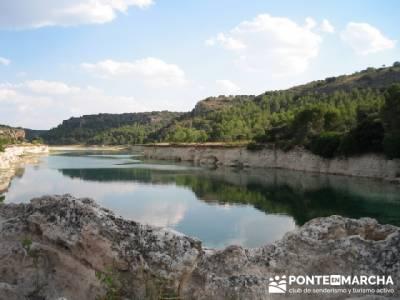 Lagunas de Ruidera; bastones de senderismo; club de montaña